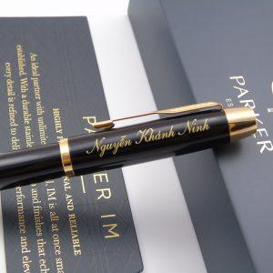 Bút ký cao cấp Parker IM đen bóng cài vàng in Logo_Nguyễn Khánh Ninh