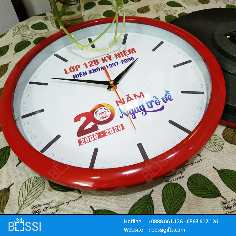 Đồng hồ treo tường kỷ niệm 12B Trường THPT Nghèn