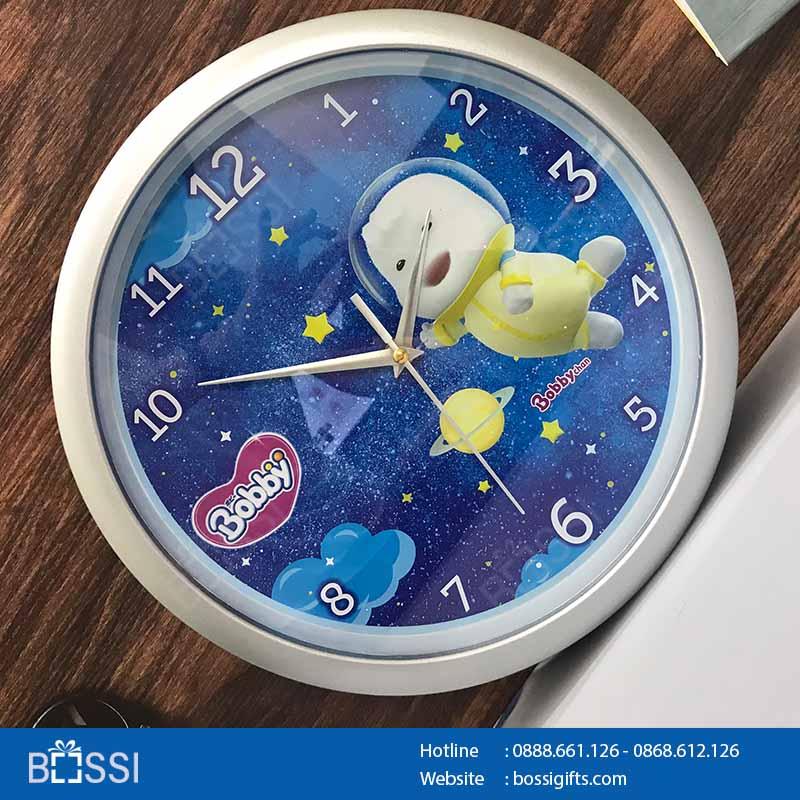Đồng hồ quảng cáo T30 in logo Bobby Unicharm