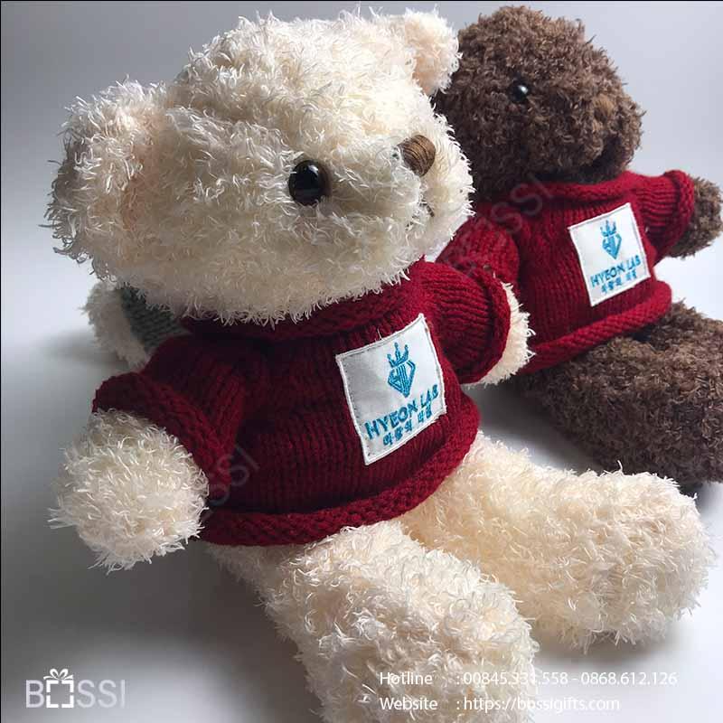 Gấu áo len quà tặng tết thiếu nhi logo Hyeon Lab
